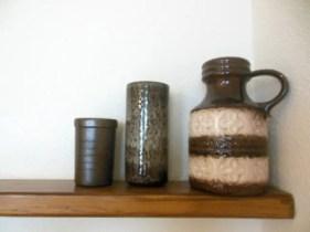 Ouderwetse vazen ter decoratie.