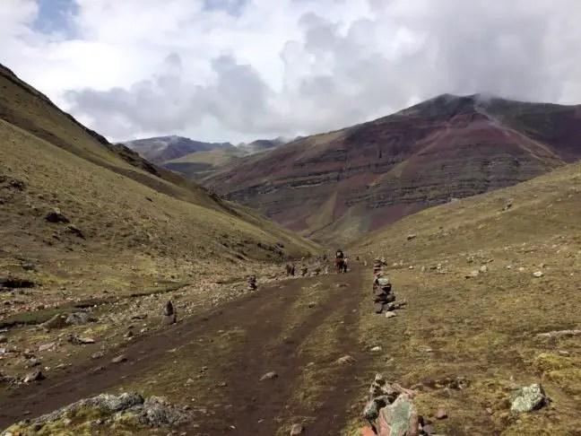 De vallei van Rainbow Mountain