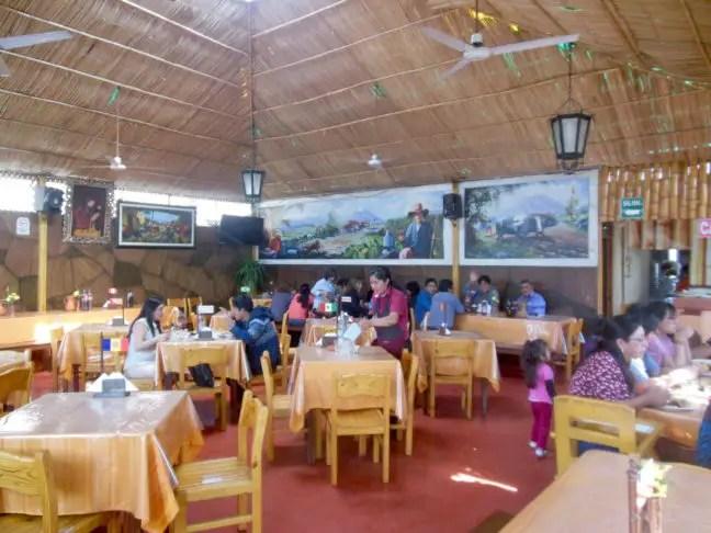 Binnen bij Picantería La Mundial