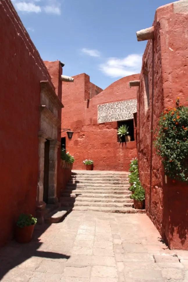 Dwalen door de straatjes van het Santa Catalina klooster