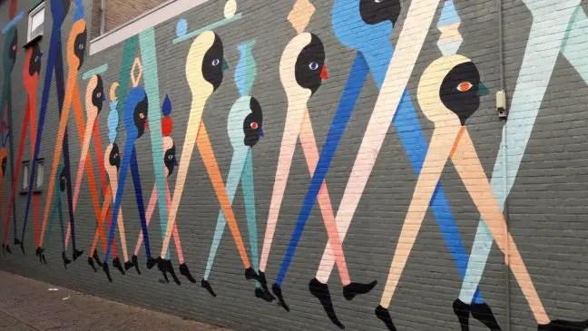 Blind Walls Gallery - Hell'O: winkelend publiek