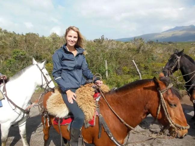 Ik te paard bij Cotopaxi.