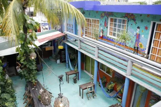 De binnenplaats van Mama's Home in Tulum.