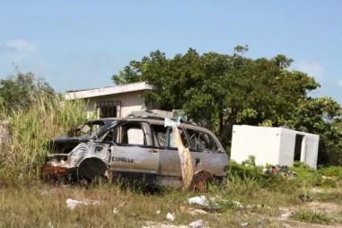 Autowrakken kom je echt overal tegen op Ambergris Caye.