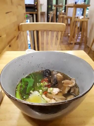 De enorme noodle soep van Bai Lu