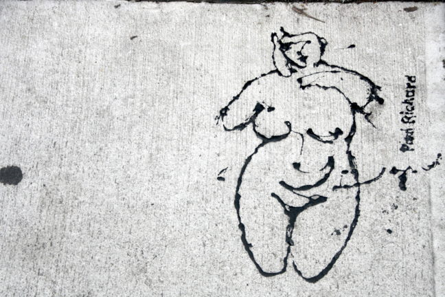 De kunst ligt letterlijk op straat.