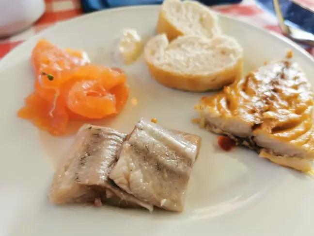 Vis van het buffet