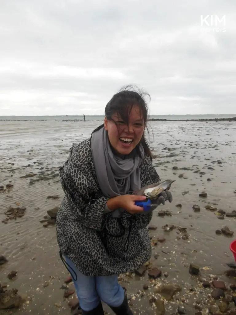 Ons eigen oestermeisje opent alle oesters