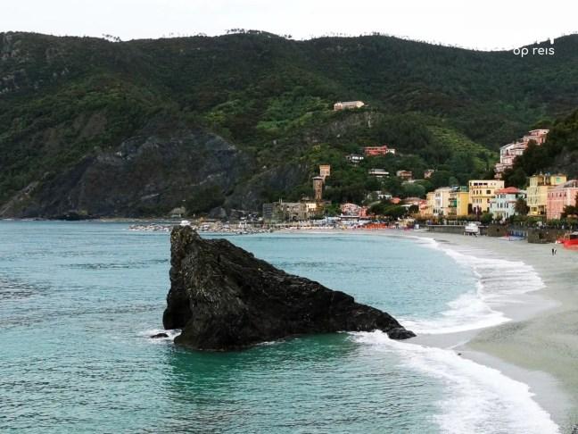 Monterosso al Mare scoglio di Monterosso