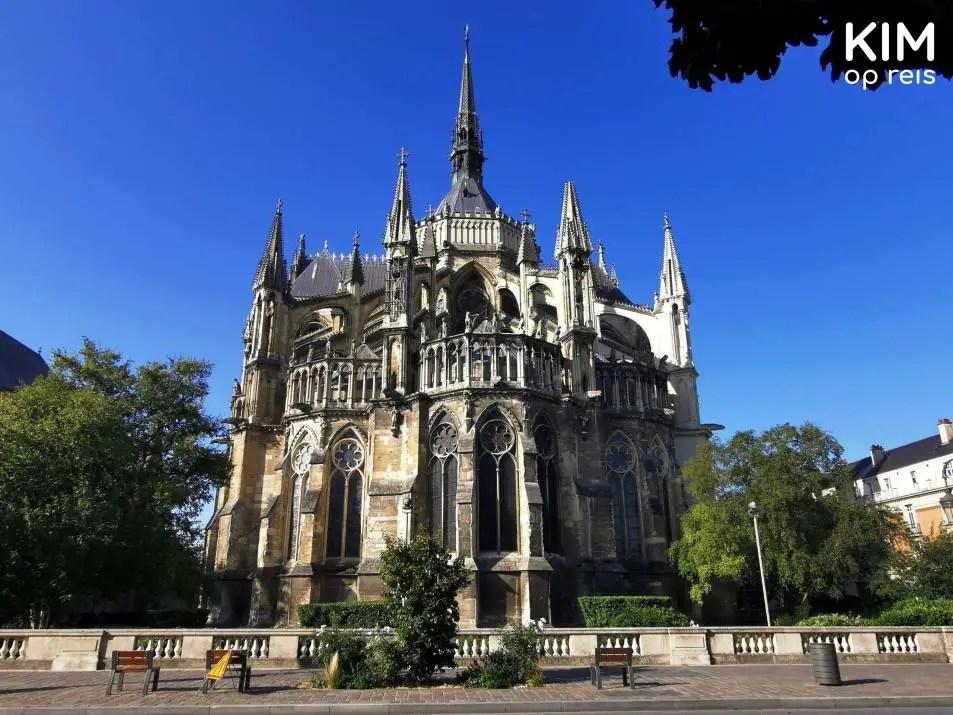 Achterkant Notre-Dame Reims bezienswaardigheden