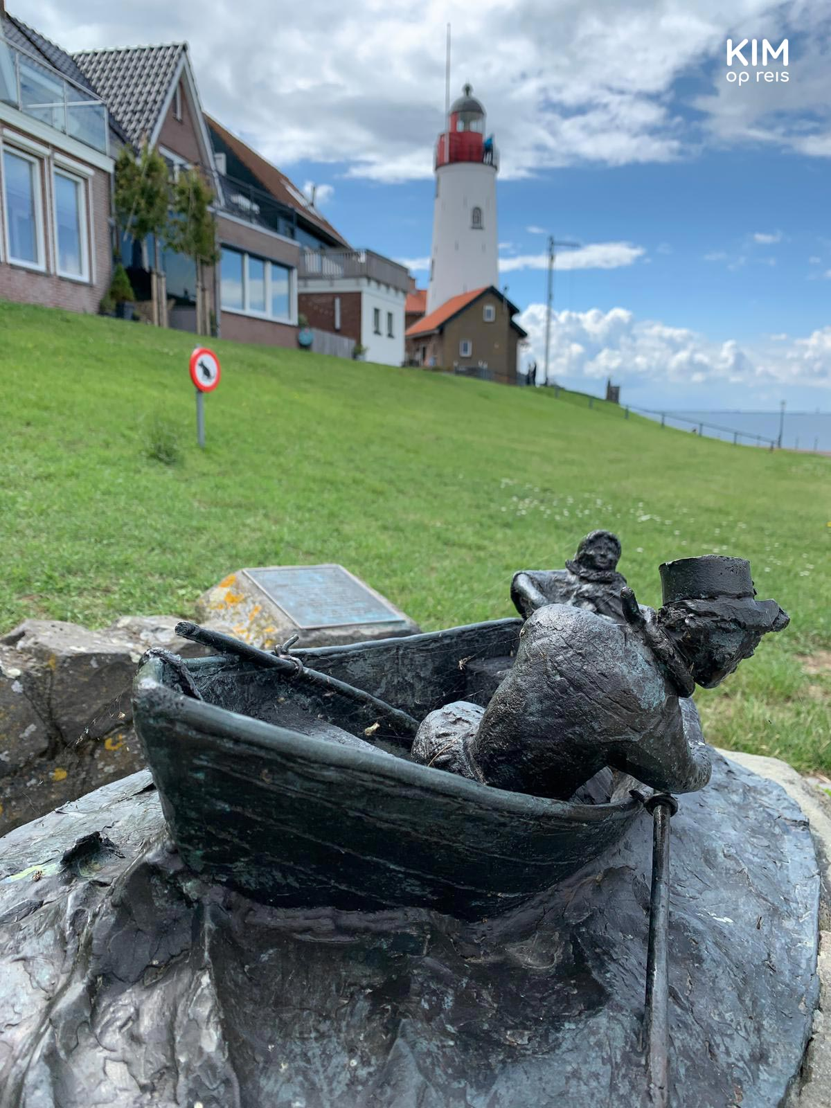 Statuette Ommelebommelestien with the lighthouse