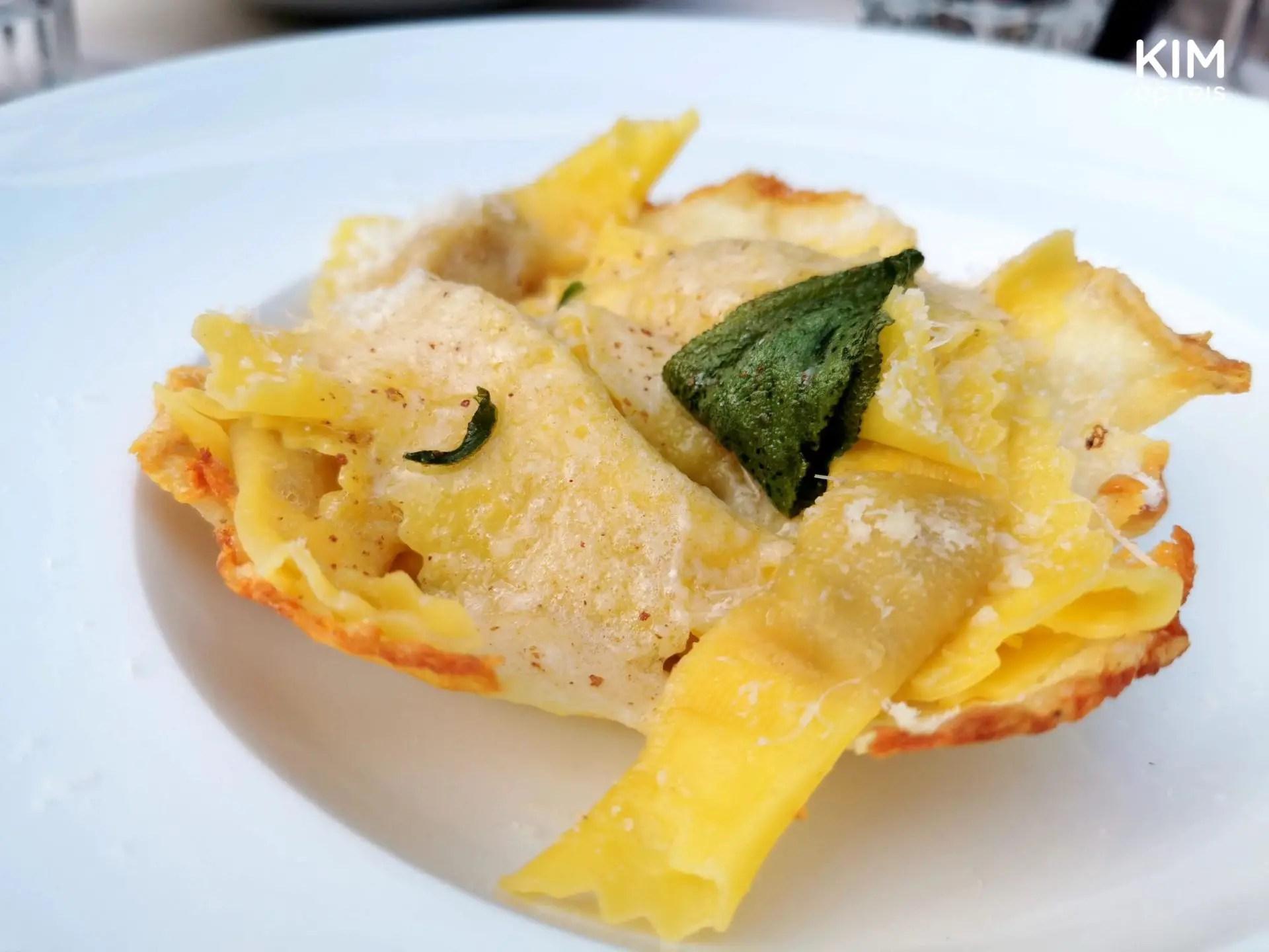 Pasta bij Al Cantinone - pasta geserveerd in een schelp