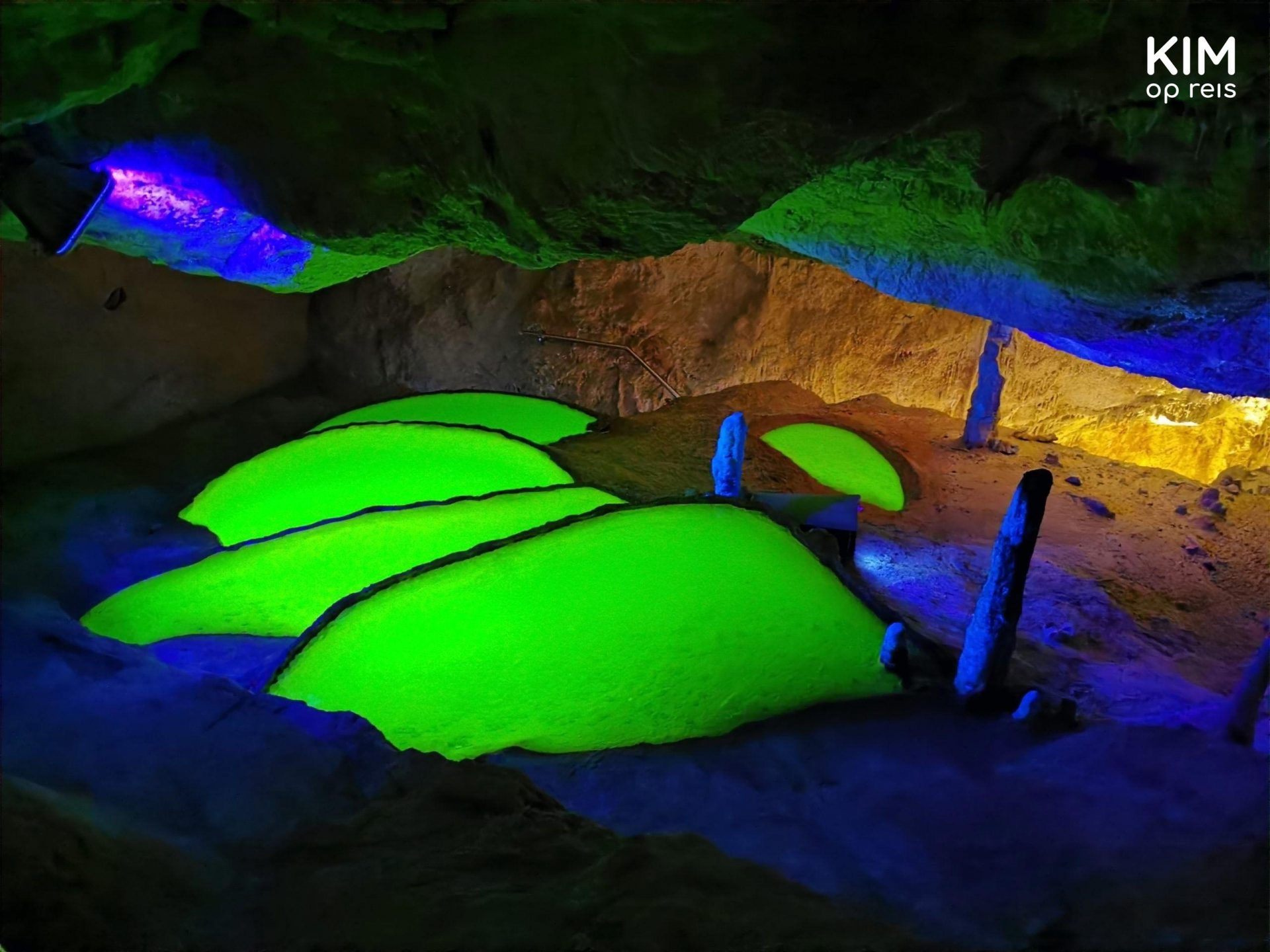 Green pools Cova de Can Marca - 5 fluorescent green pools in a dark cave