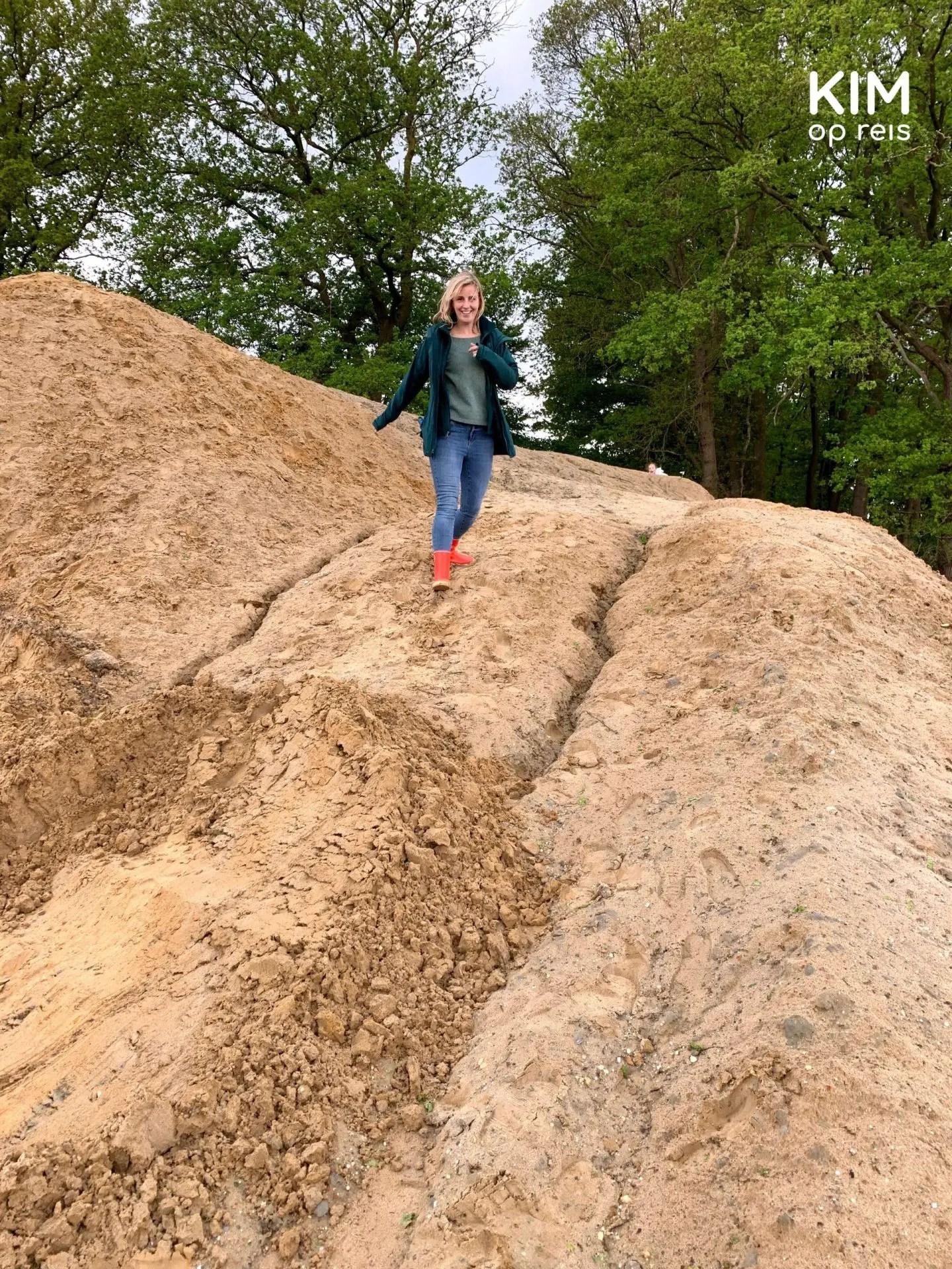 Regen pop-up glamping berg: Kim rent van een zand/kleiberg af