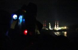 20:22、ロケットの丘展望所からカメラを向ける
