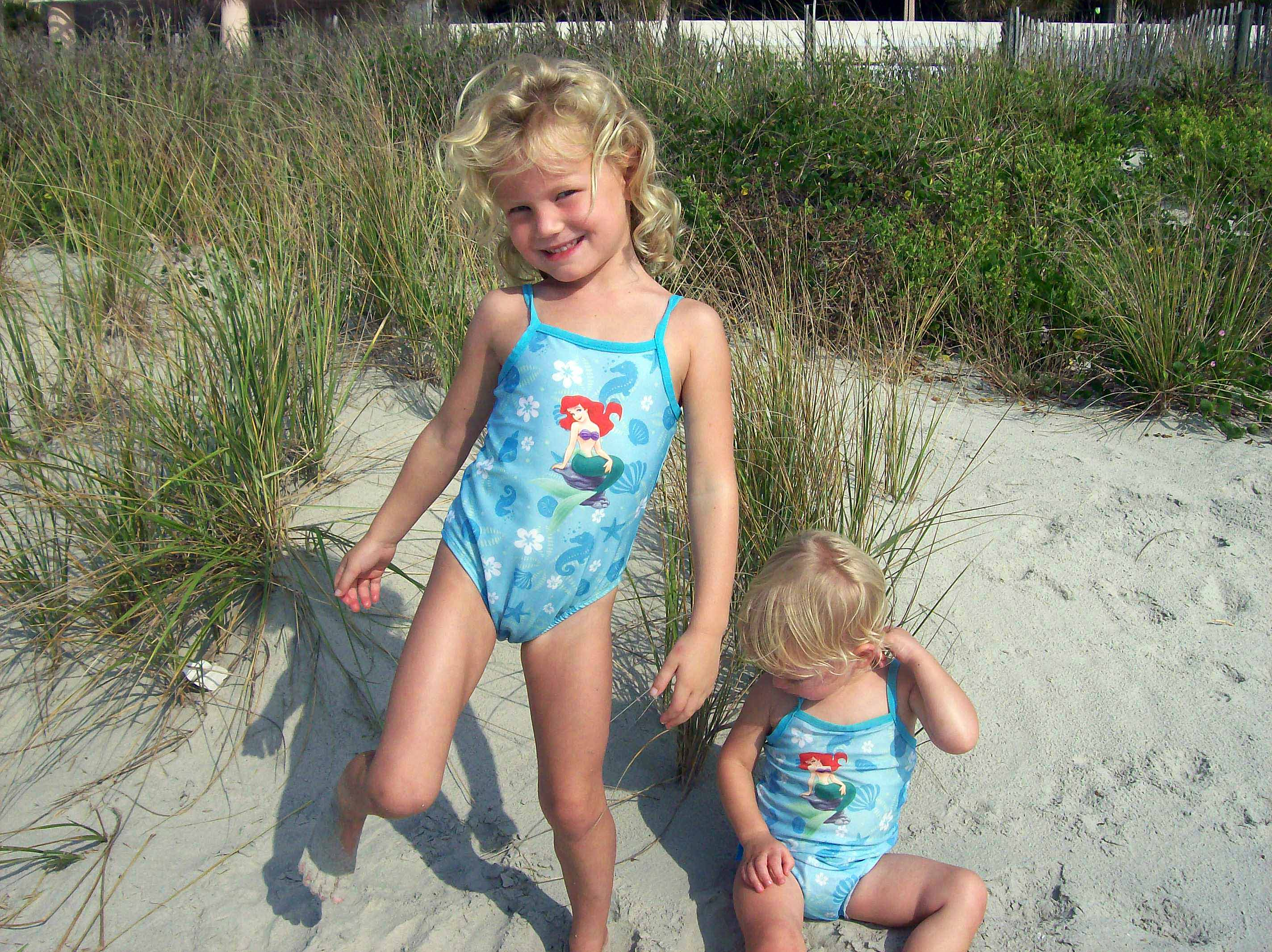 Izzie hated the sand.  No Beach pictures for this family this year.