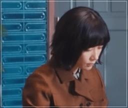 スキャンダル専門弁護士QUEEN[8話]水川あさみの衣装!バッグにコート37