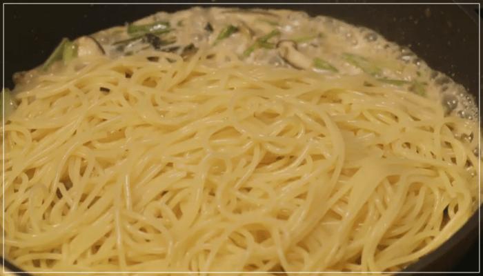 きのう何食べた?[9話]レシピ!きのことツナとかぶの葉の和風パスタ