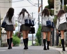 japan girls 231x185 일본에서 성업중인 여고생 JK비즈니스 실태