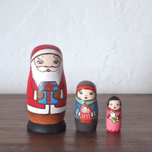 MS3-17-2  Matryoshka 3sets サンタの贈り物Santa's gift  Size:7cm/Material: wood  ¥6,500+Tax