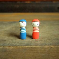 しましまこけしのフェーブ(2個組) Feve stripes Kokeshi(2set)  Size:各1×1×3cm/Materials:porcelain  ¥1.000+Tax  FEVES-75