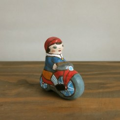 自転車に乗った男の子土鈴 Claybell of Boy riding a bicycle