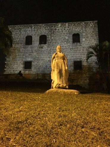 Statue in Plaza de Colon