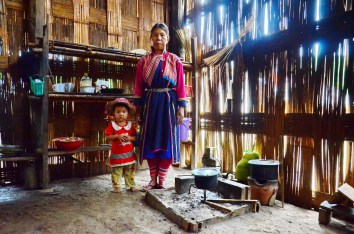Lisu woman with her young child