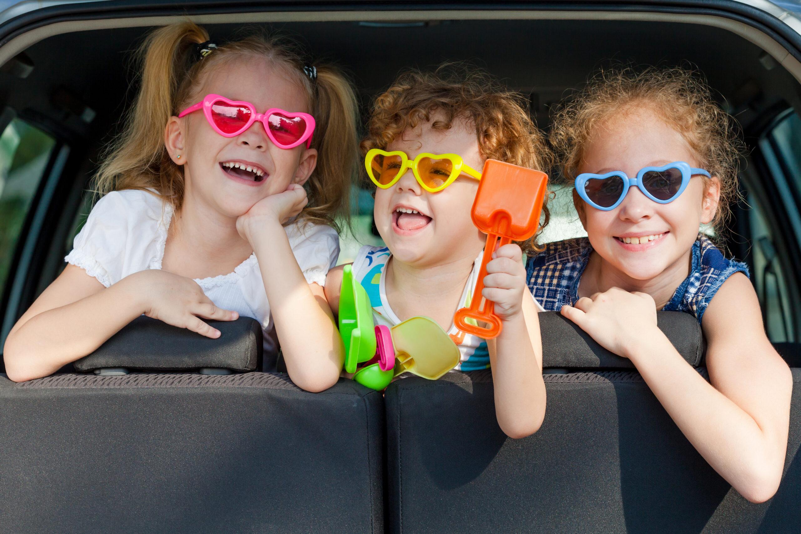 Чем занять ребенка в самолете, поезде, машине: 45 идей для игр в дороге - 1