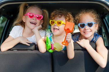 Чем занять ребенка в самолете, поезде, машине: 45 идей для игр в дороге - 3