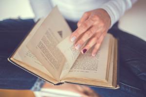 hand-vintage-old-book_Fotor