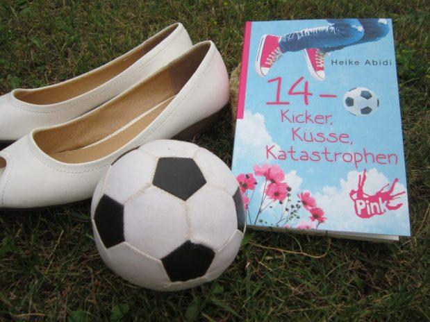 Heike Abidi: 14 – Kicker, Küsse, Katastrophen