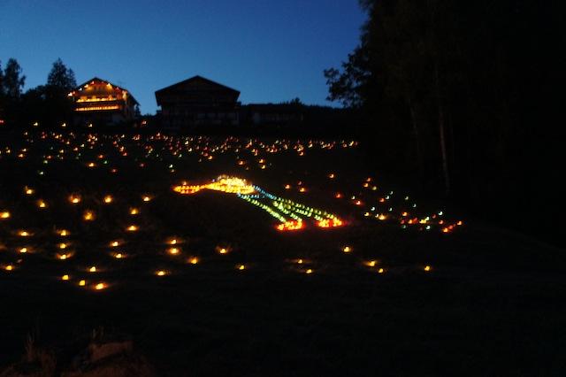 Tonbachtal Beleuchtung Baiersbronn: Über 40.000 Windlichter brennen in der Nacht. foto (c) kinderoutdoor.de