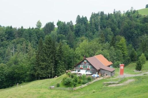 Wandern mit Kindern zu Buchenegger Wasserfällen. Dabei kommt Ihr auch an der Alpe Neugreuth vorbei. foto (c) kinderoutdoor.de