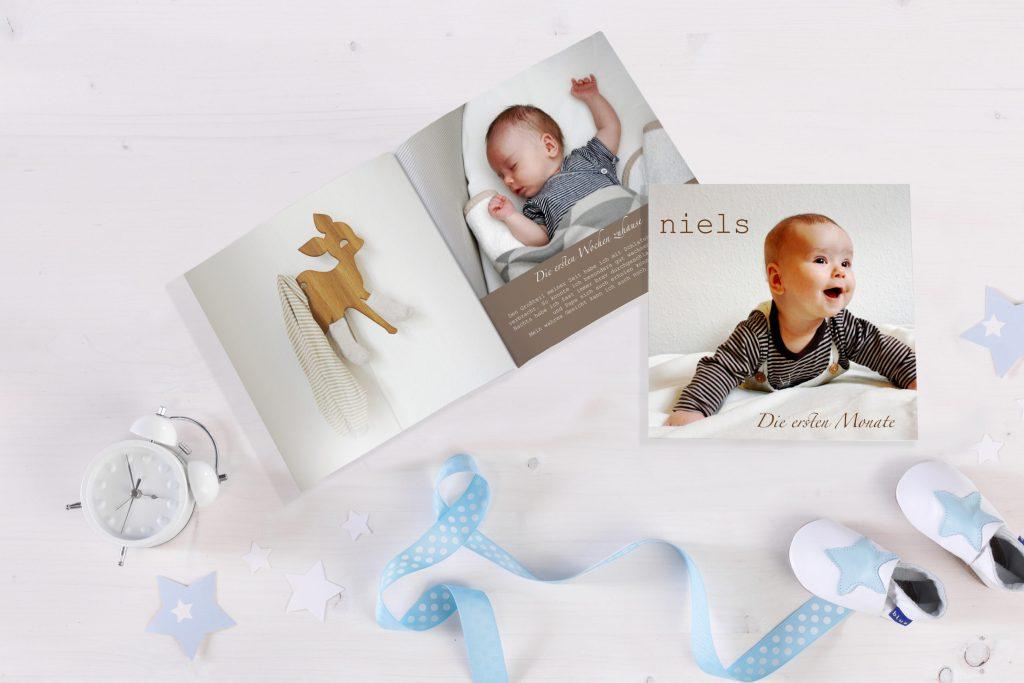 Babyglück für immer festhalten: Mit einem Fotobuch können sich die Eltern noch Jahre später an die ersten Monate des Nachwuchses erinnern.