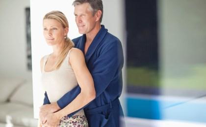 Ein berechenbarer, regelmäßiger Zyklus ist wichtig für das weibliche Wohlbefinden - und auch für ein entspanntes Liebesleben.