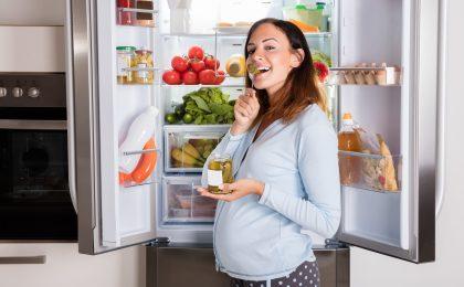 Eine vollwertige und vielseitige Ernährung während der Schwangerschaft schafft die besten Voraussetzungen für die Gesundheit des Babys.