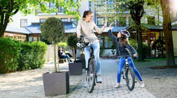 Mütter beziehungsweise Väter können bei einer gemeinsamen Kur mit ihren Kindern den Stress von zu Hause hinter sich lassen.