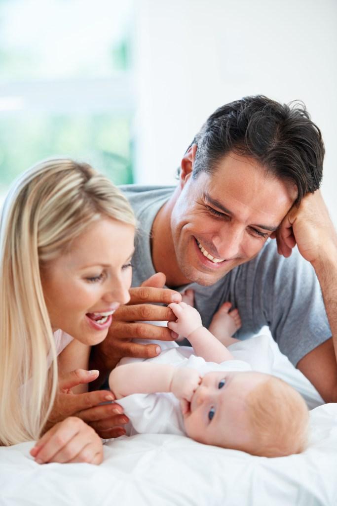 Endlich Eltern - einige Krankenkassen unterstützen ihre Mitglieder auf dem Weg zum Wunschkind mit Zusatzleistungen und die künstliche Befruchtung