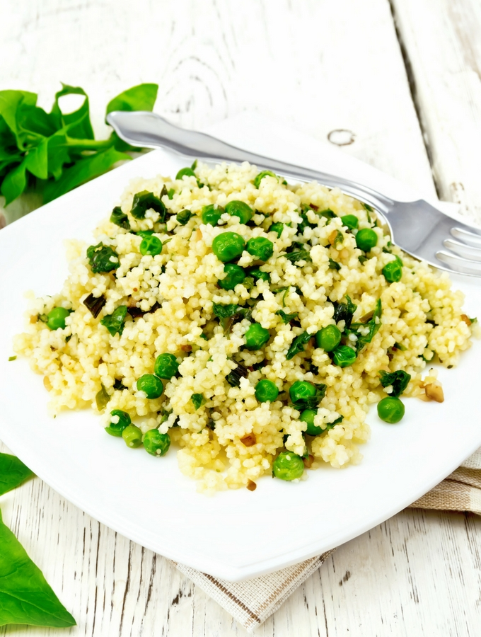 wholewheat giant couscous with peas and spinach