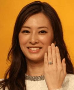北川景子&DAIGO、婚約指輪は2カラット1000万円以上(スポニチアネックス) Yahoo ニュース