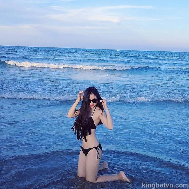 ngắm ảnh bikini hot girl nhật lệ bạn gái cầu thủ quang hải đổi tuyển việt nam