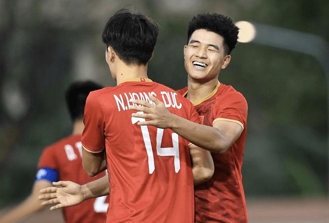 Mở màn SEA Games U22 Việt Nam thắng lớn 6-0 trước Brunei