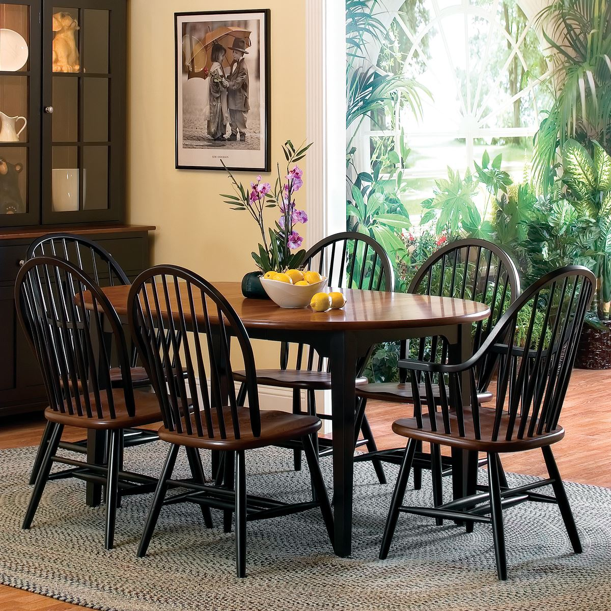 8 Spindle Chair Dining Set