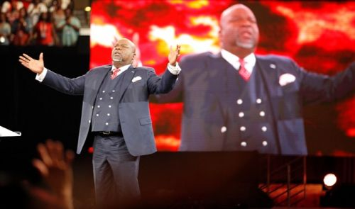 T.D Jakes: Americans Must Unite In Solidarity After Orlando Massacre Just like 9/11