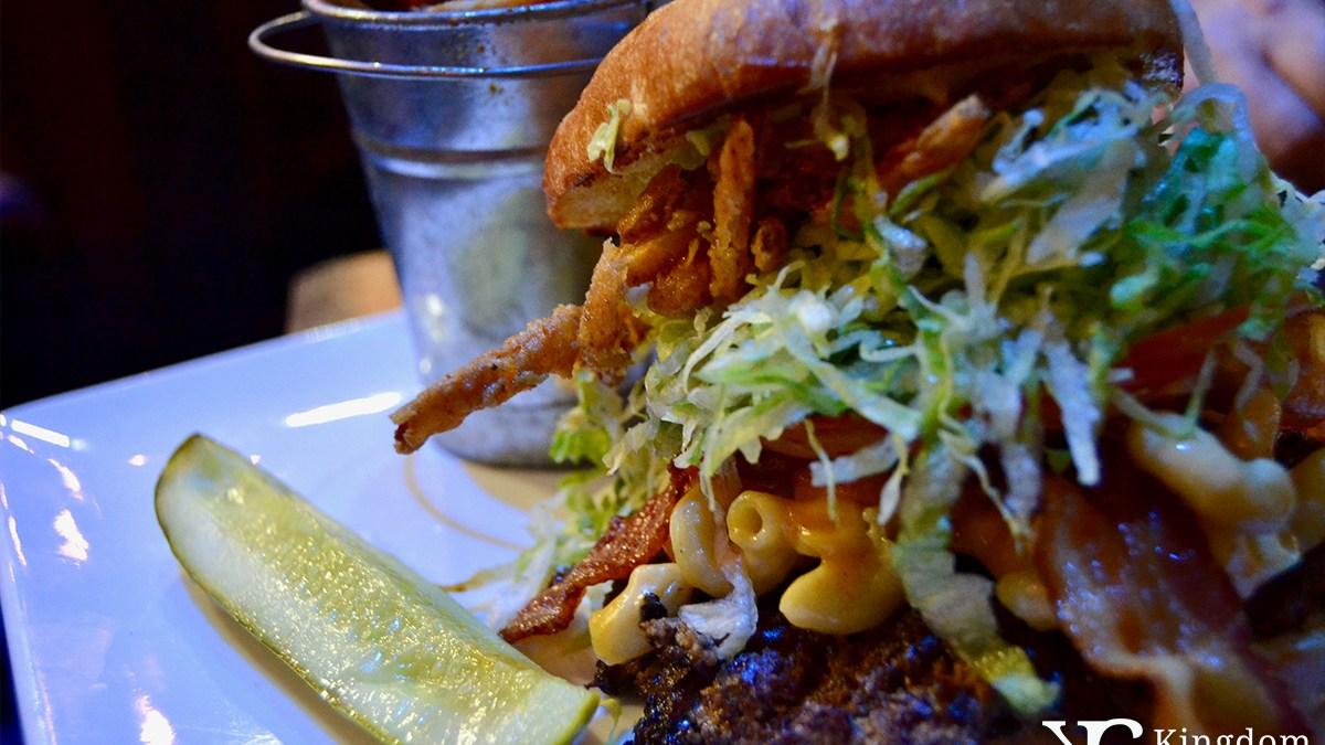 Bacon Mac-n-Cheese Big Bite Burger
