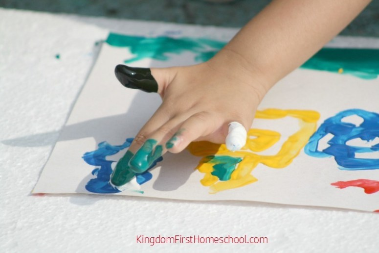 Easy Finger paint recipe to make for your kiddos