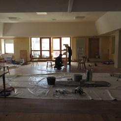 Vorbereitung für neuen Bühnenaufbau und Anstrich