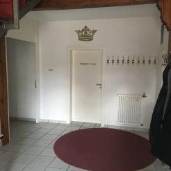 Eingangsbereich mit Eingang Medienshop