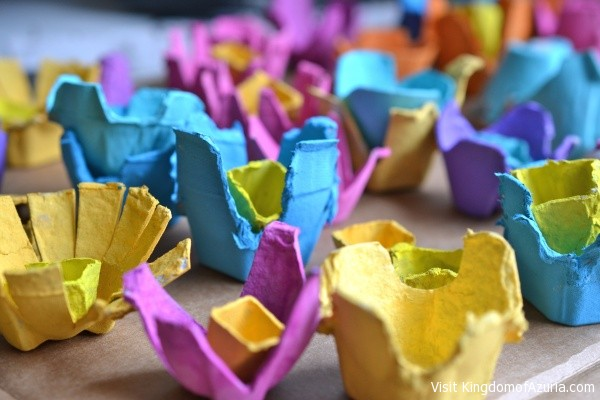 painting egg crate flowers